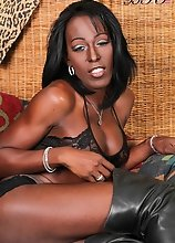 Meet Diamond D - a chocolate hottie presented to us by Jack Flash. Diamond is a Barbados born beauty now living in New York - extremely tasty with an